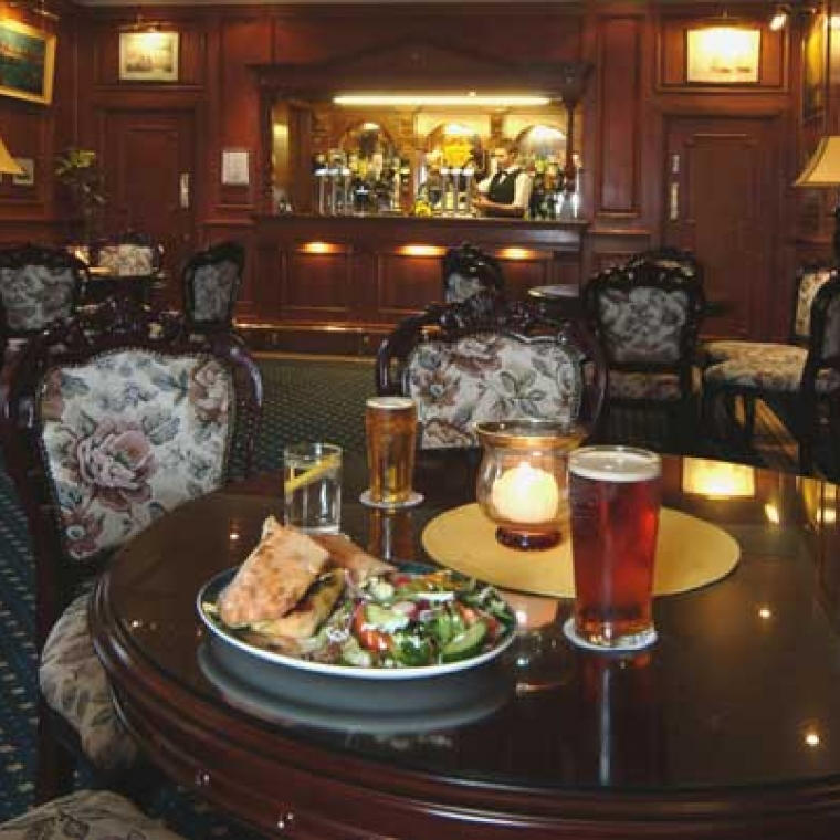The Appledore Bar at the Durrant House Hotel