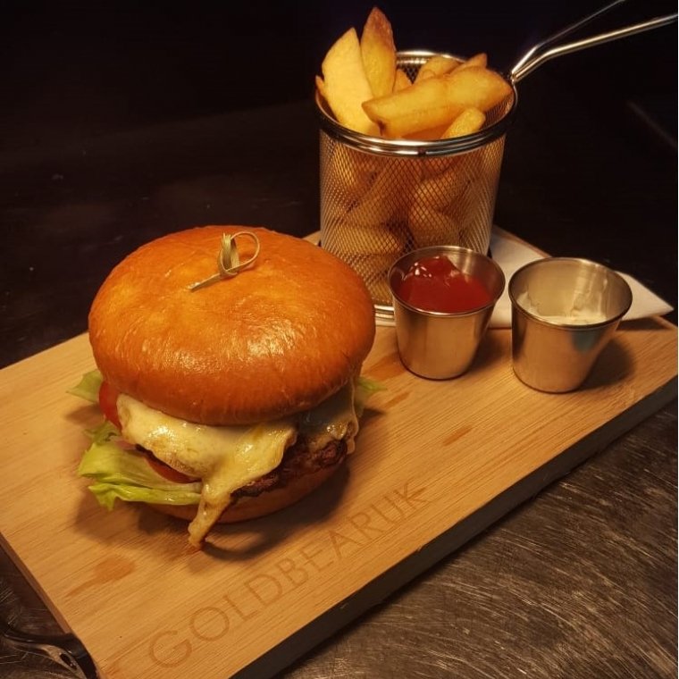 The Durrant Beef Burger with Chips and Sauces